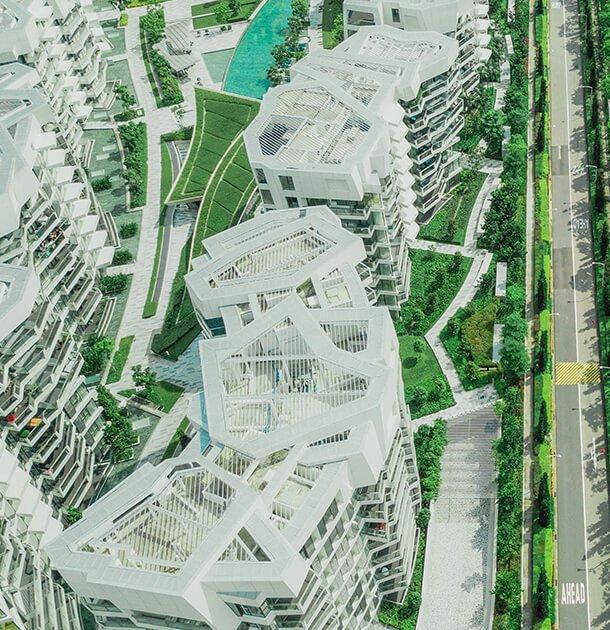 Luftaufnahme von weißen Gewerbeimmobilien in einer Anlage